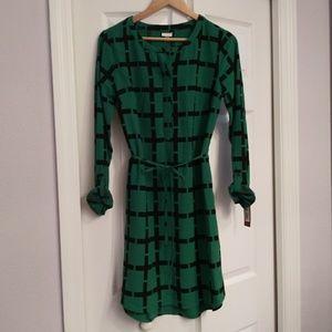 Shirtdress, emerald green w/blk geo print